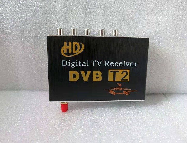 DVB-T tuner s USB slotom do automobilu